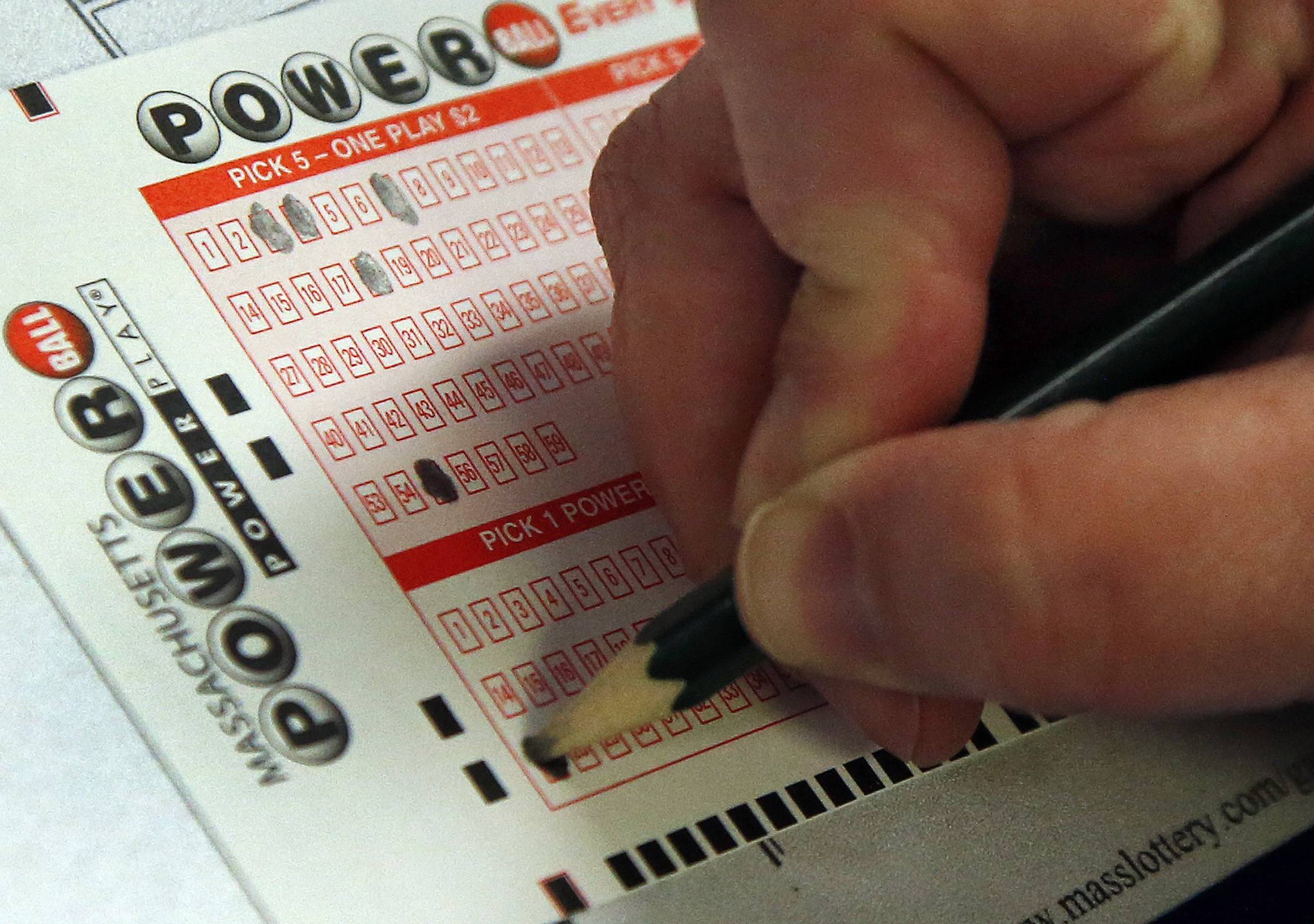 Strong sales raise Powerball jackpot to $500 million