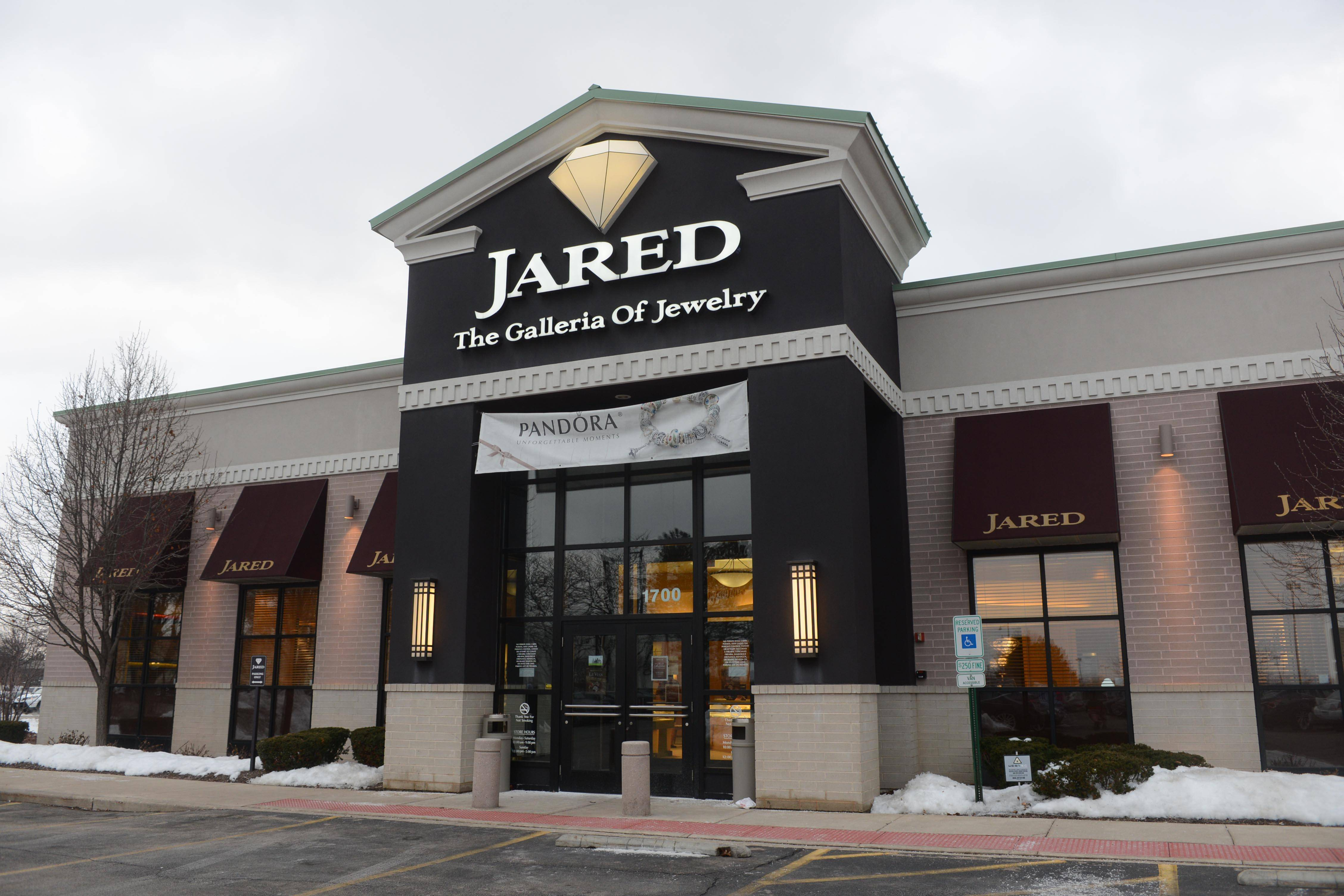 More than 500000 in jewels stolen from Schaumburg store