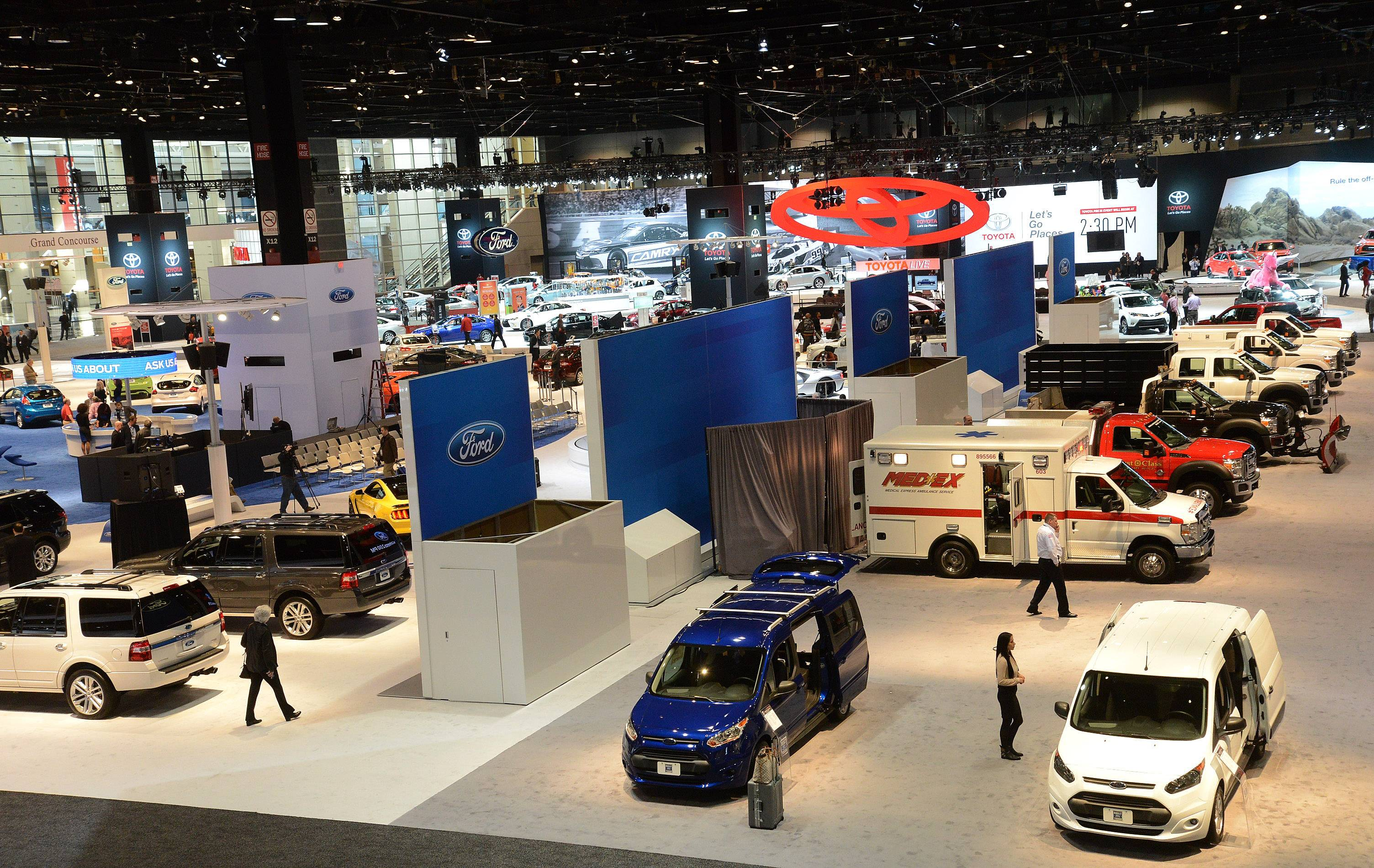 The 2015 Chicago Auto Show aims to please consumers.