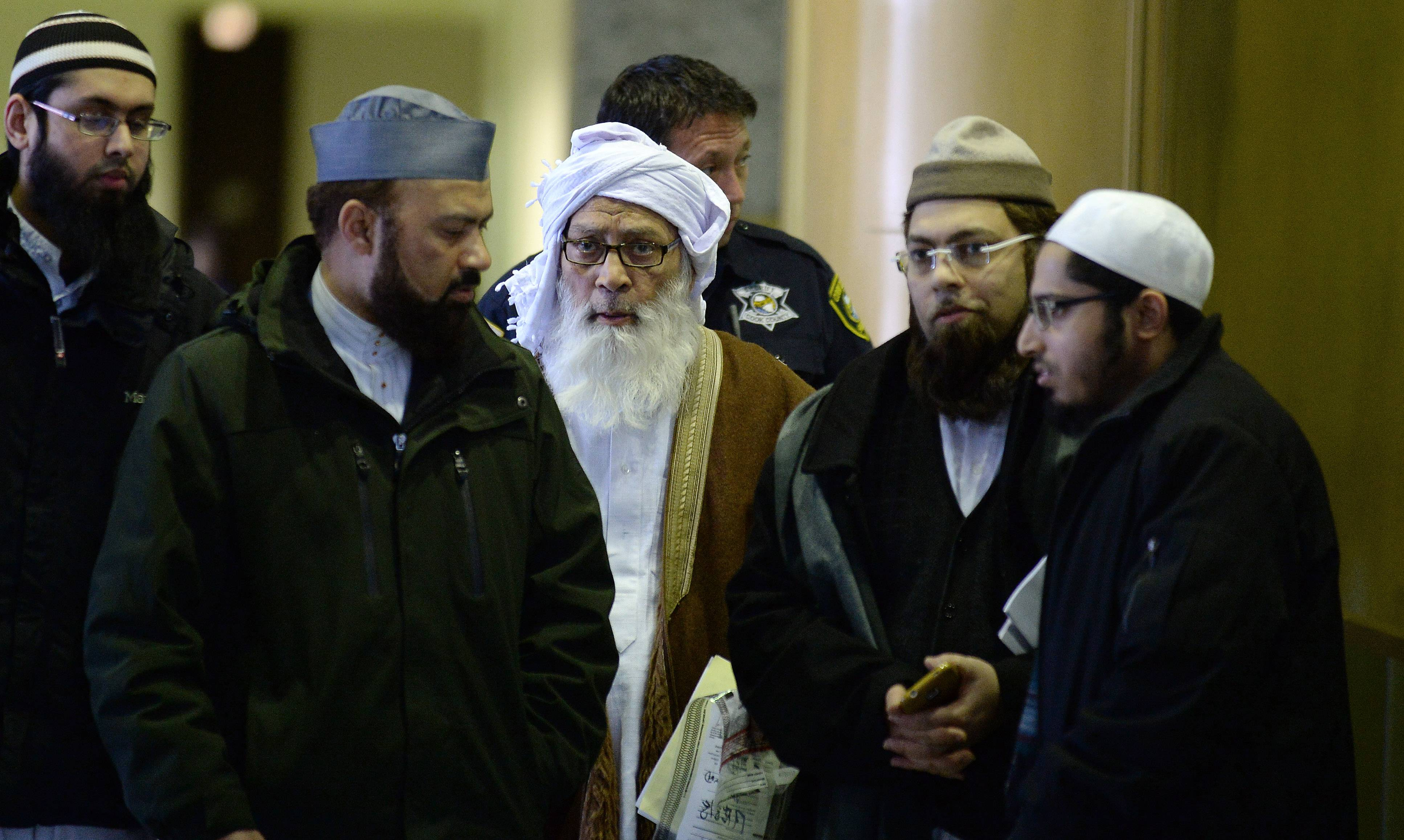 Muslim community jolted by Elgin Islamic school leader sex charges