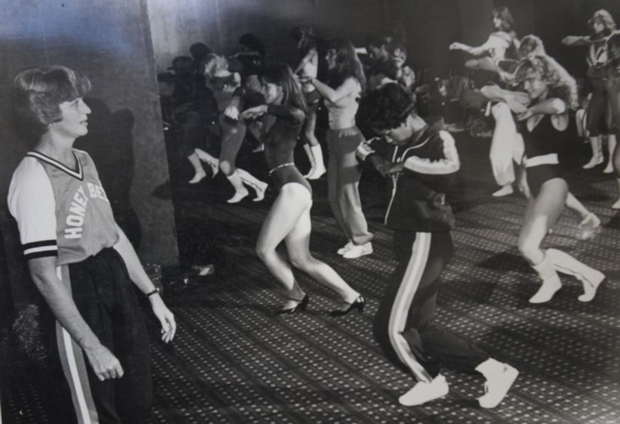 Rehearsing with her Honey Bears during the 1981 season, Cathy Core of Wheaton already had built the squad into an institution for fans of the Chicago Bears.