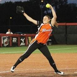 Pitcher/first baseman Kirsten Verdun is returning to the Chicago Bandits for a second season.