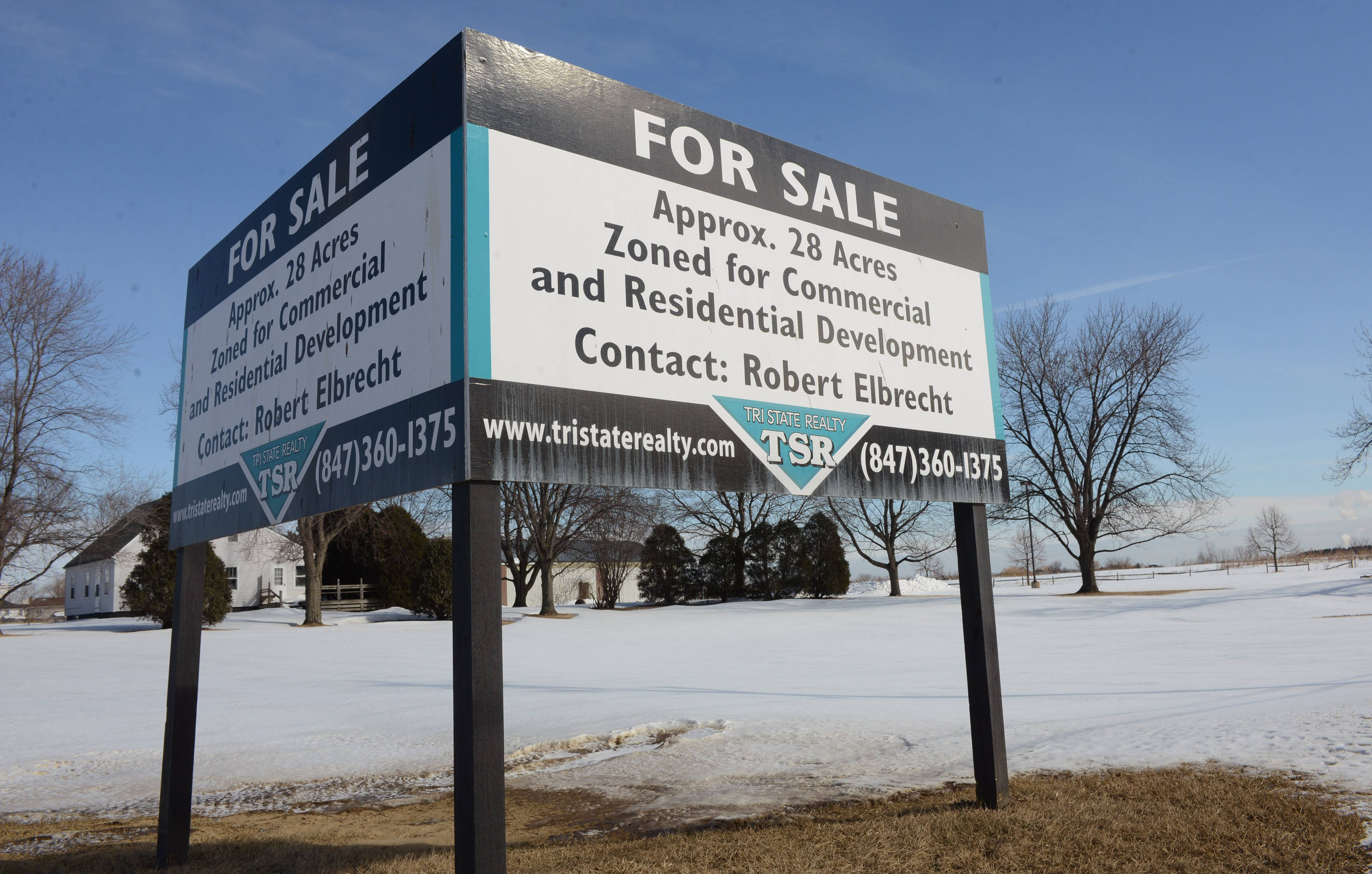 Tentative plans have surfaced for 100 homes that would be built on the former Bobby's Driving Range at Gages Lake and Hunt Club roads in Gurnee.