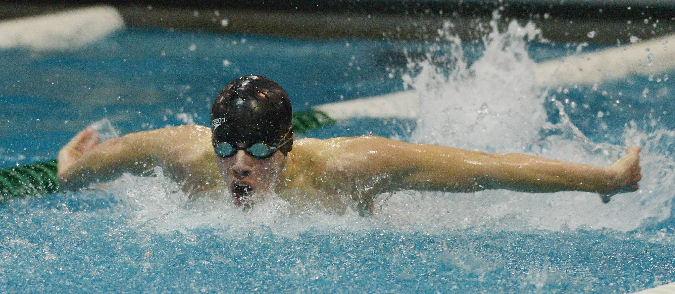 Wiliams, Barson share fifth-place finales