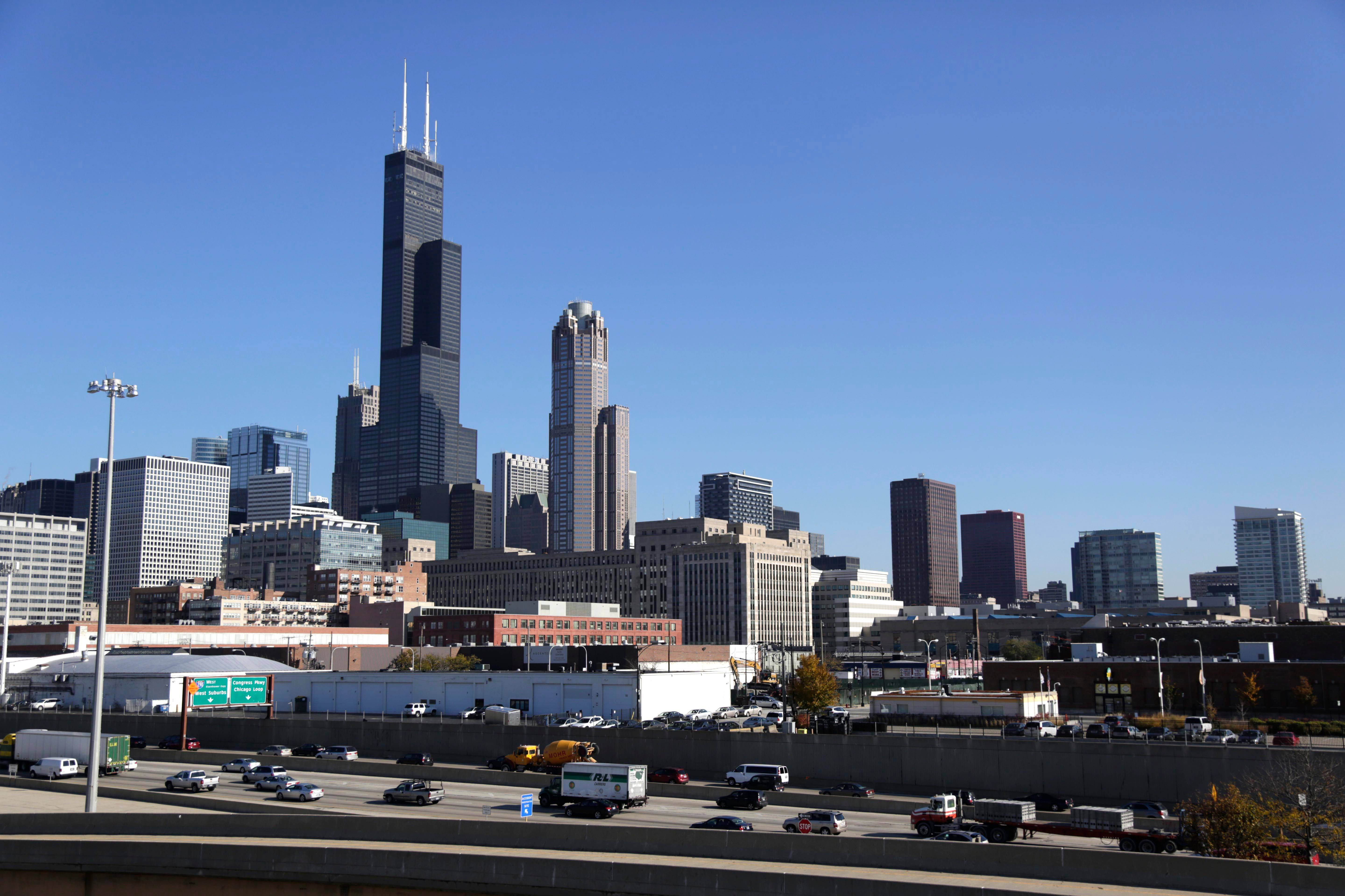 Chicago's iconic Willis Tower up for sale
