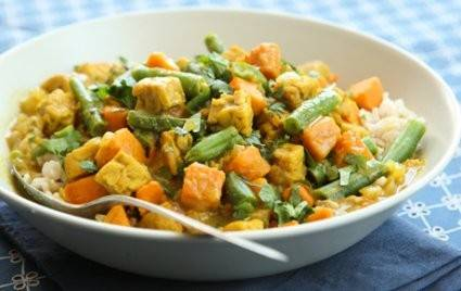Fittest Loser Week 1 healthy recipe: Tempeh Curry with Sweet Potatoes and Green Beans. Tempeh absorbs the rich spices and coconut milk in this simple curry recipe.