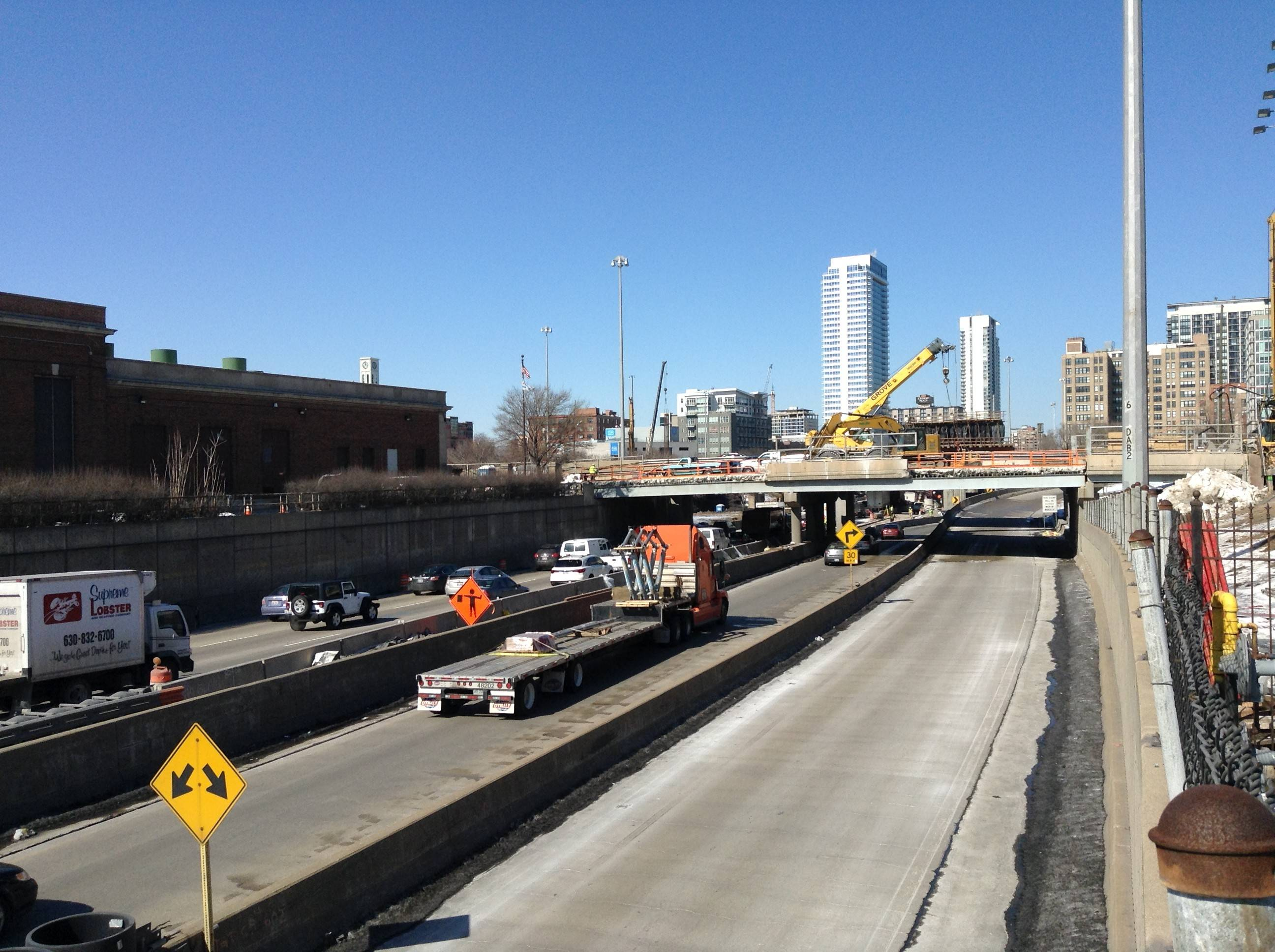 Northbound commuters on the Dan Ryan Expressway will see slowdowns as work commences on a rebuild of the Circle Interchange Tuesday.