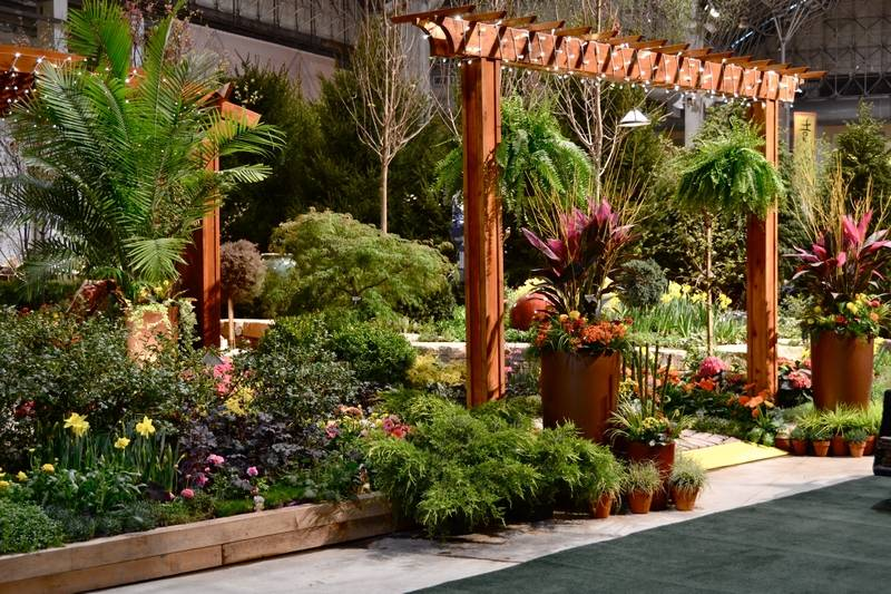 visitors to the chicago flower garden show will find lots of ideas about how to - Backyard Rose Garden