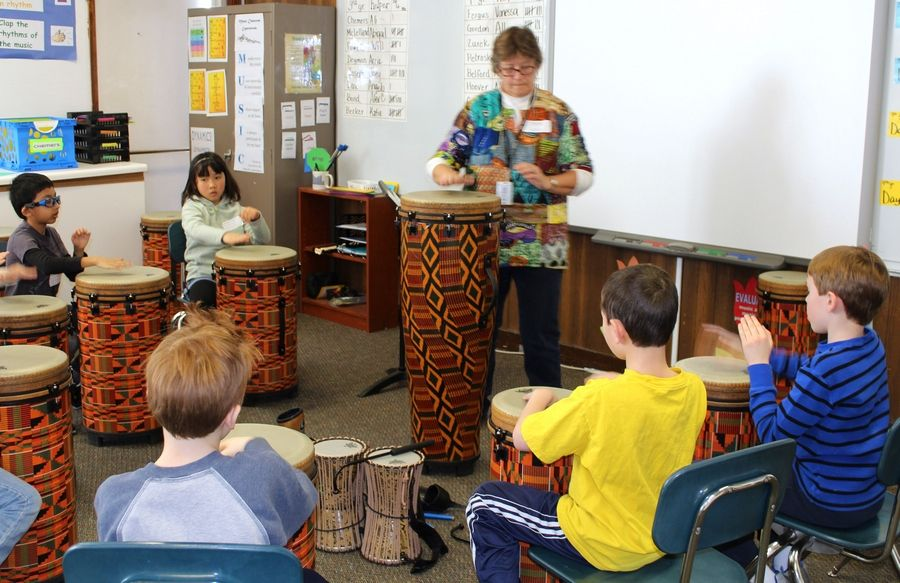 Students participated in a small group workshop led by Daniel Wright Junior High School music teacher Nancy Fencl to explore African drums and percussion instruments at Half Day School's recent Explore the Arts Day.