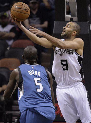 fc92d08928e San Antonio Spurs guard Tony Parker (9)