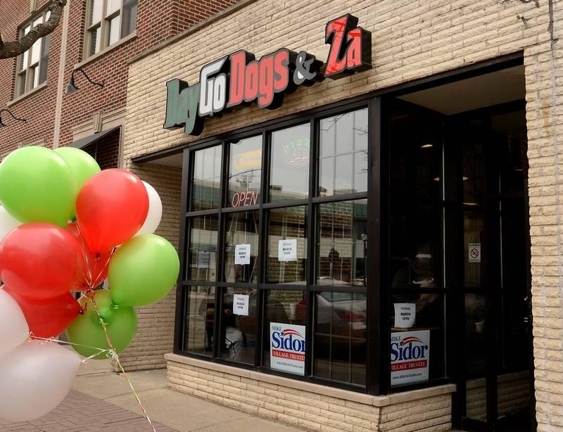 Day Go Dogs Arlington Hts