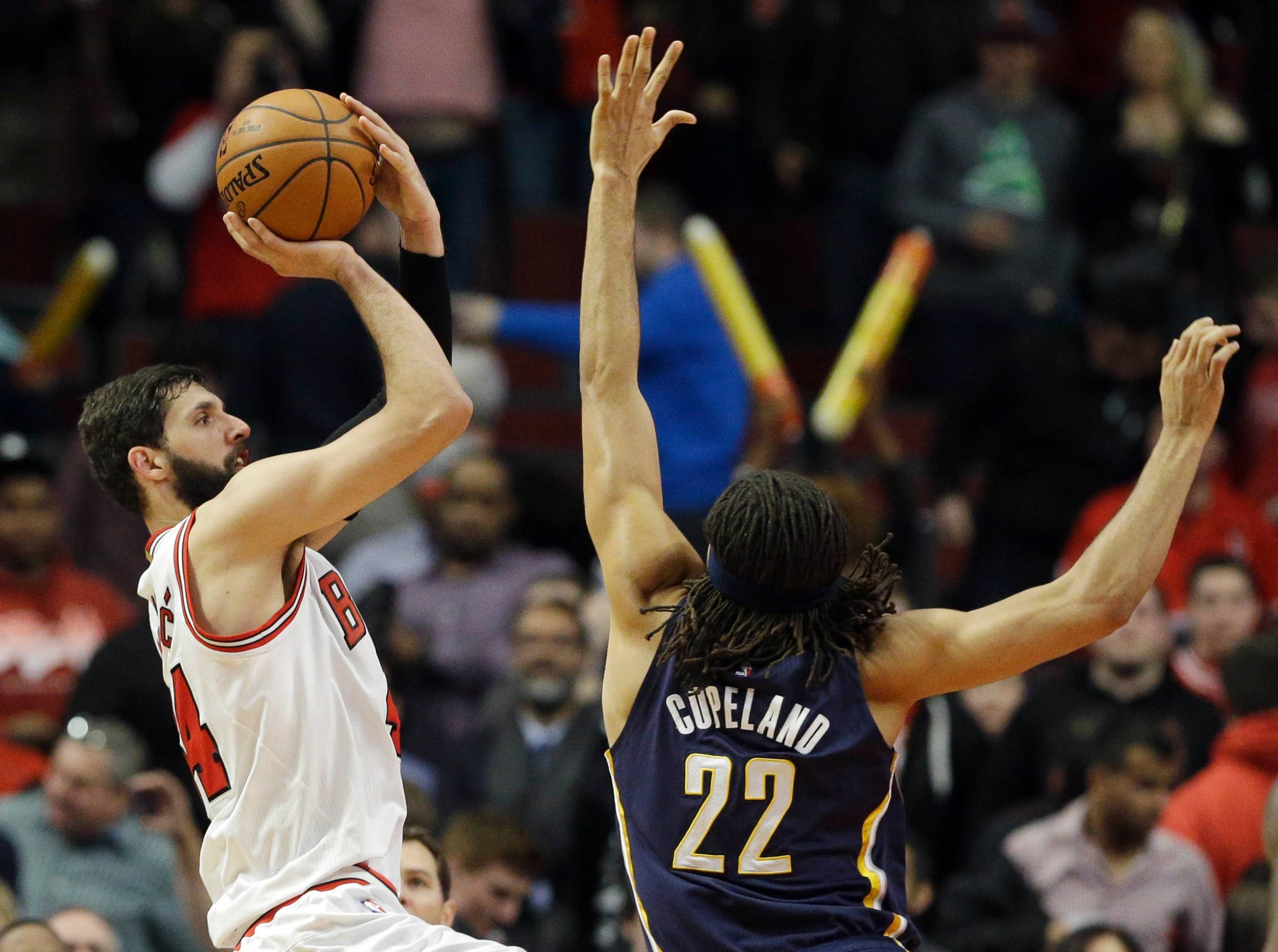 Thibs endorses Mirotic for rookie honors