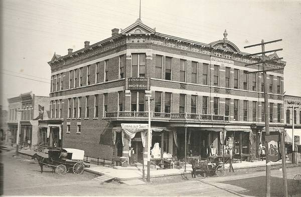 The Jennings Hotel : Jitney buses and sloppy counterfeiters made old elgin headlines