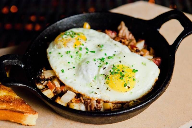 Weber Grill In Schaumburg And Lombard Are Serve Easter A La Carte This Iron Skillet