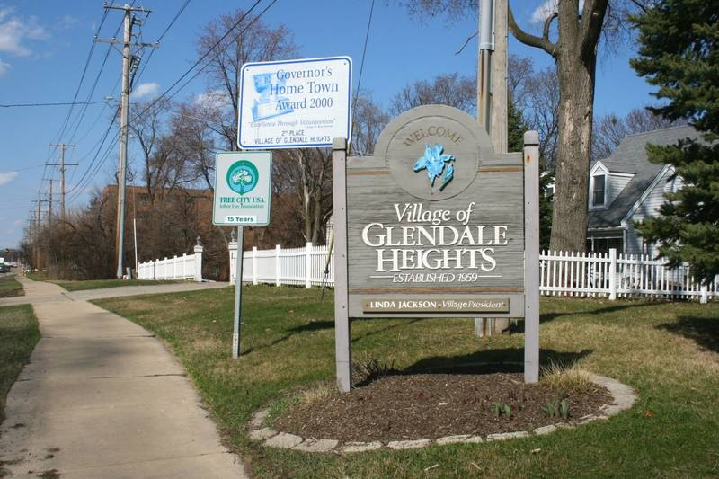 catholic single women in glendale heights The forest park police officer involved in the feb 3 shooting death of a 26-year-old glendale heights man on feb 3 will be put on administrative leave as the illinois state police conduct an.