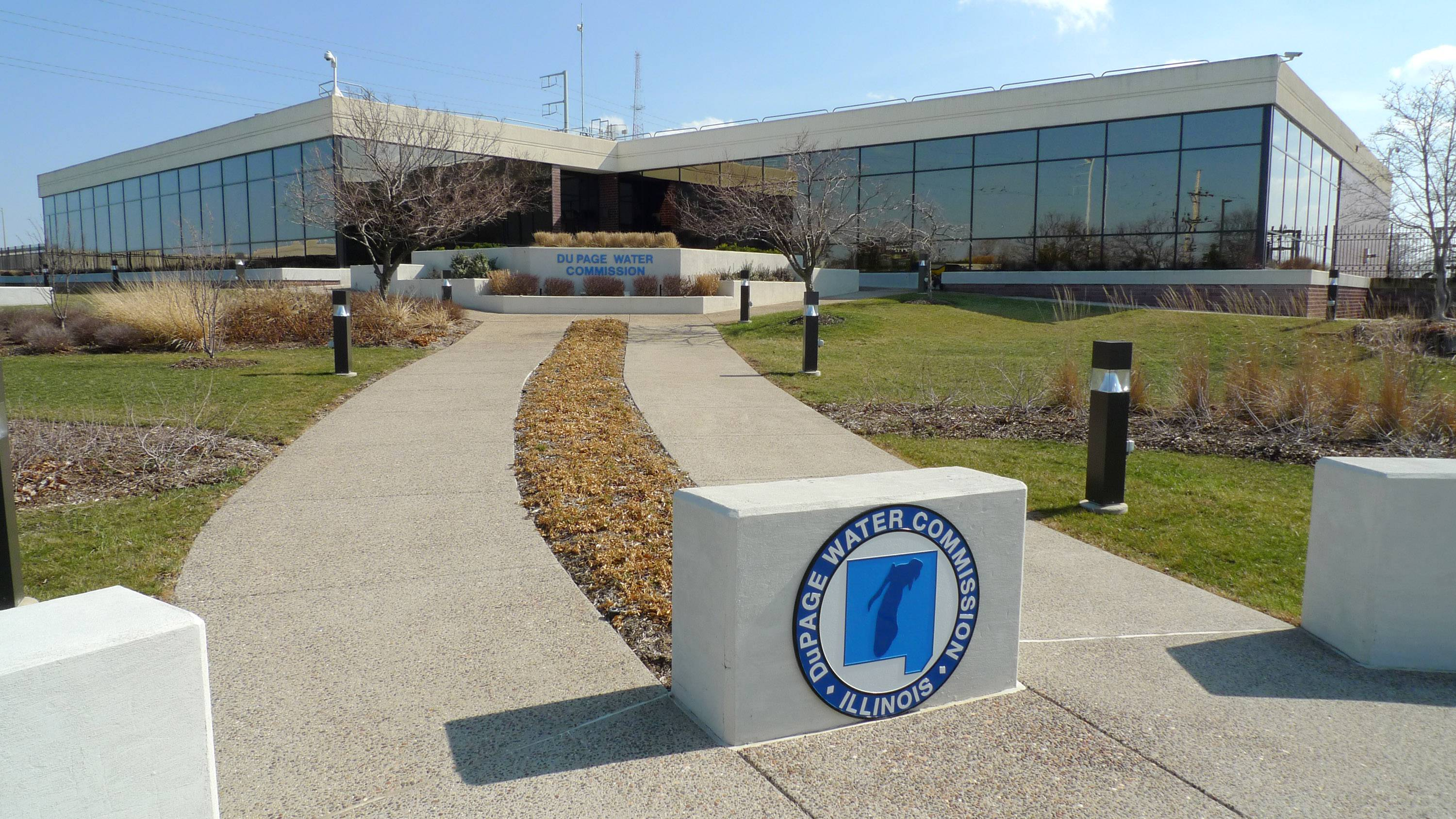 The DuPage Water Commission has agreed to lower the price it charges towns for Lake Michigan water. The reduced rate is scheduled to take effect May 1.