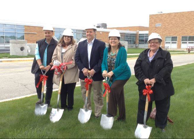 Mundelein High School officials celebrate construction project