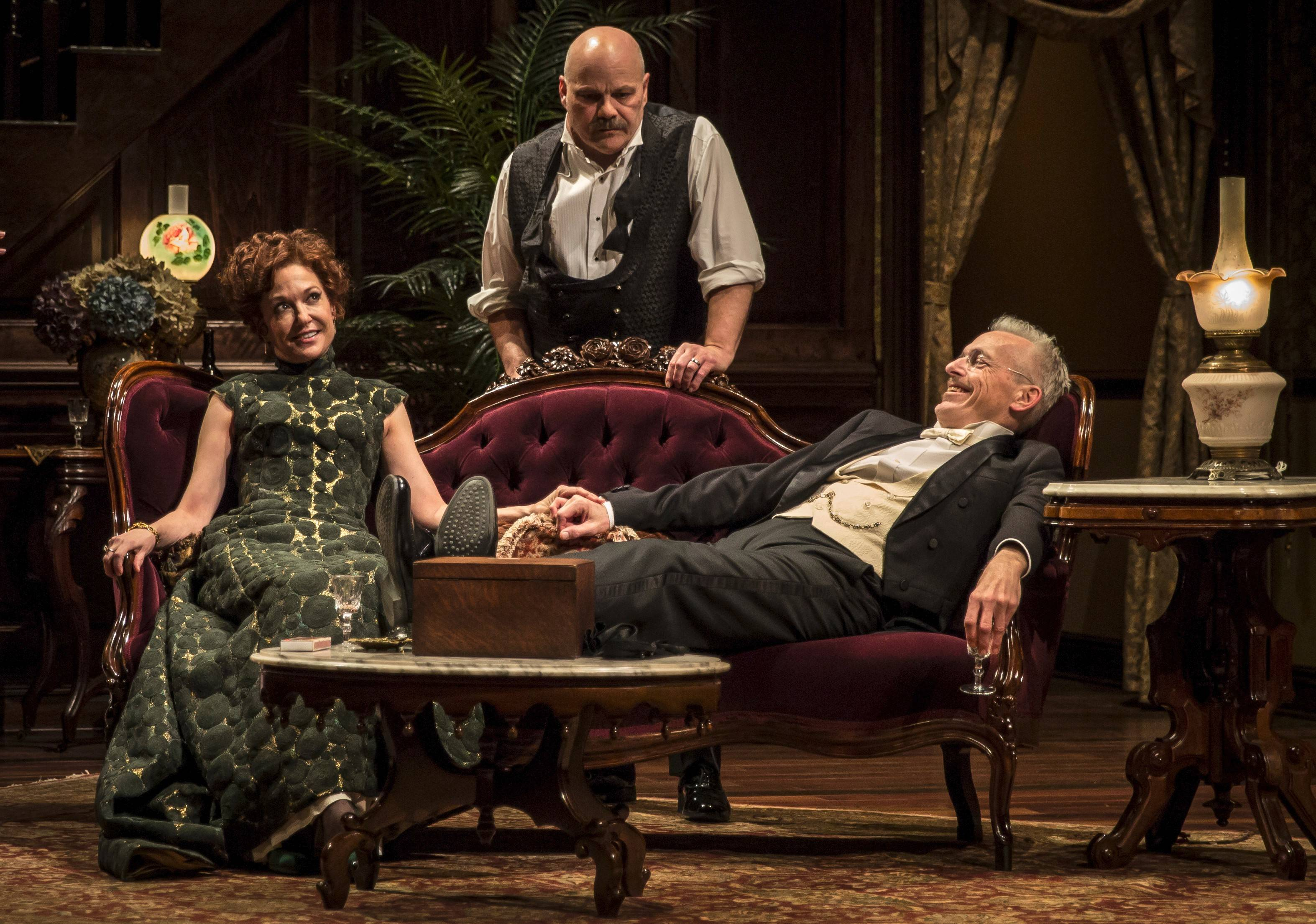 Exceptional cast powers riveting revival of 'The Little Foxes' at Goodman