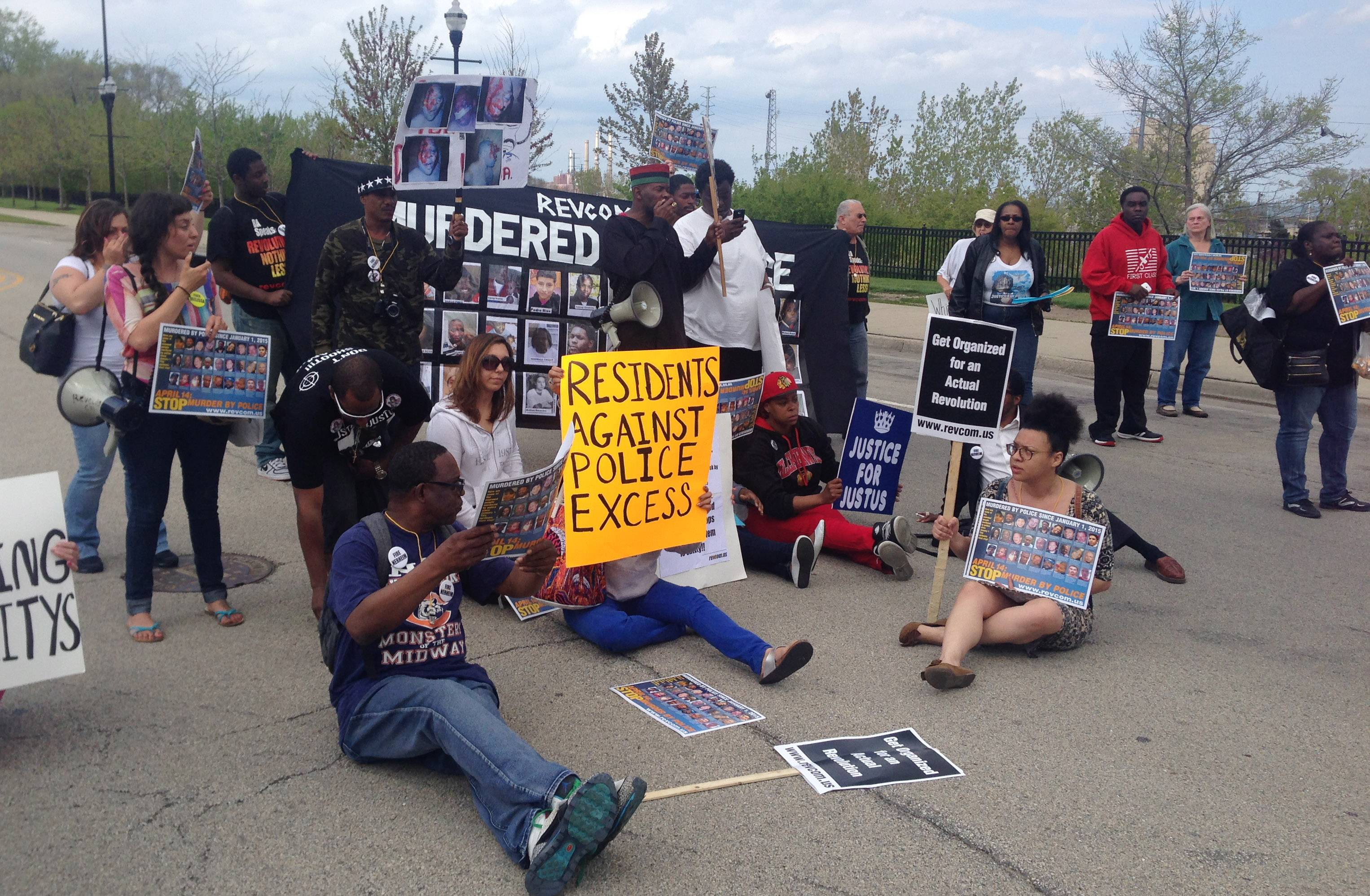 Protesters block Sheridan Road in Waukegan Friday during a rally for Justus Howell, who was killed last month by a Zion police officer.