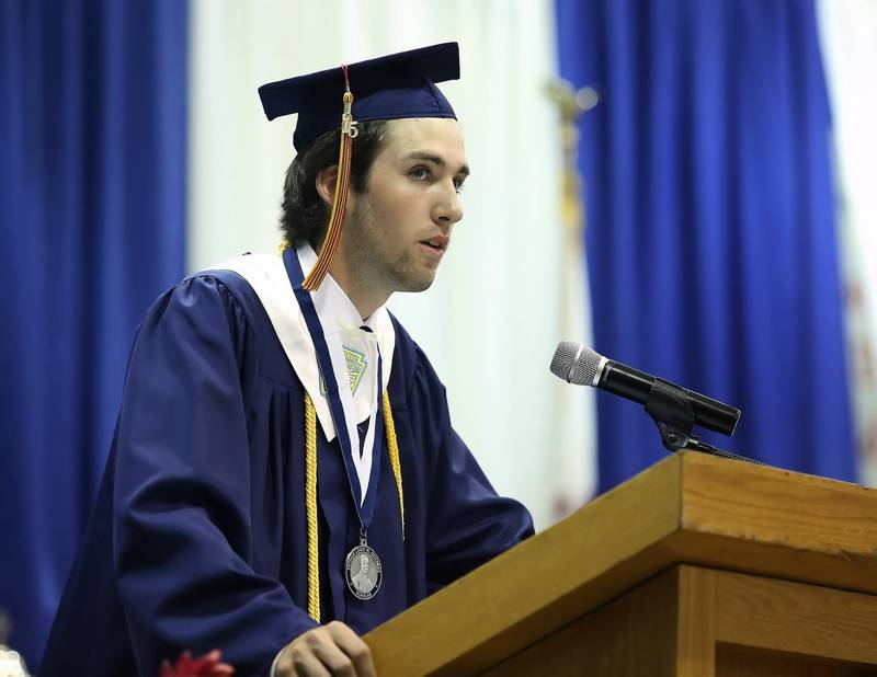 How do you graduate from high school valedictorian?