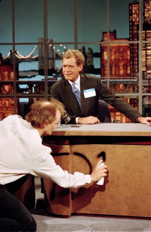 Bill Murray Spray Paints David Letterman S Desk During The Aug 30 1993