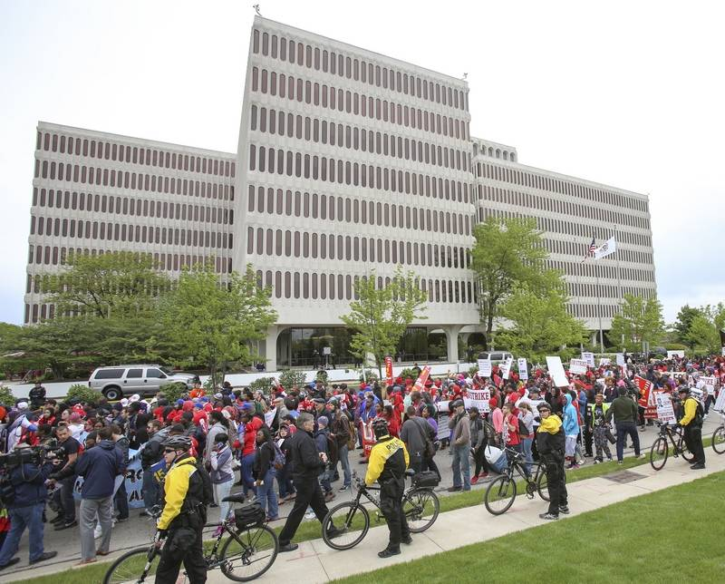 Thousands demonstrate for higher wages outside oak brook mcdonald 39 s - Mcdonald corporate office ...