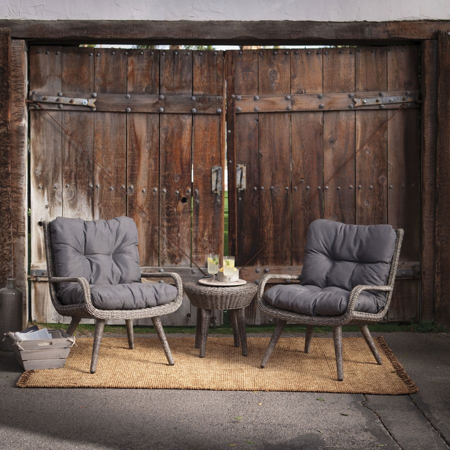 When setting up outdoor seating, arrange the same conversational setups employed in dining and living rooms.