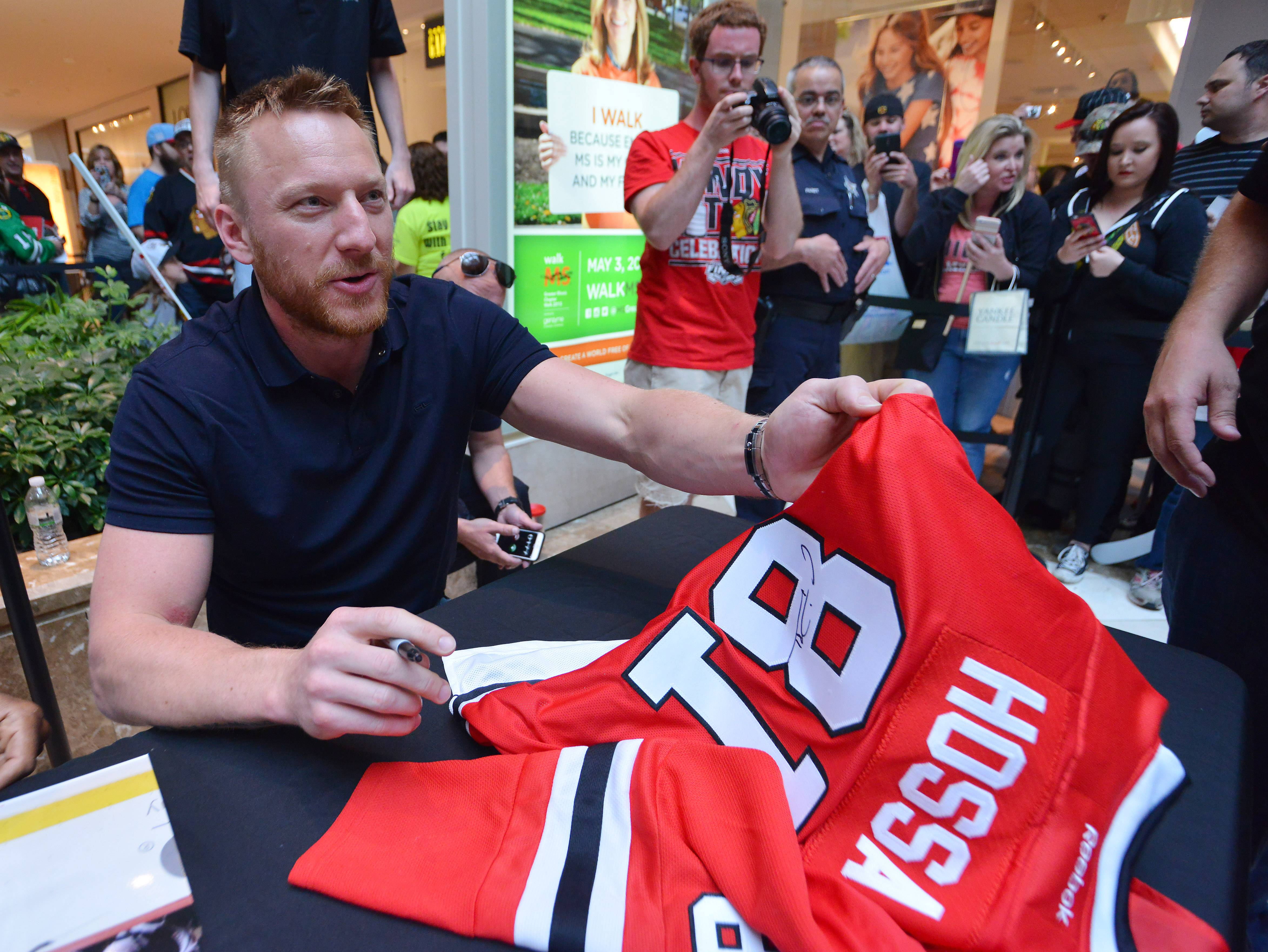 Marian Hossa appears at Westfield Hawthorn Mall in Vernon Hills on Friday.