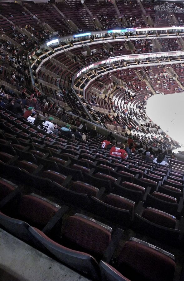 There were a lot of empty seats at the United Center when the Chicago Blackhawks played  the Los Angeles Kings on Tuesday, March 6, 2007.