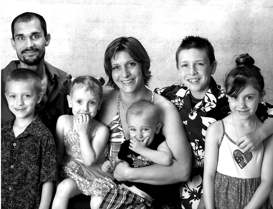 Amanda Kienast, Mike Zalewski and five of her six kids, from left: Solomon Franey, Katurah Kienast, Zachary Zalewski, Ezra Franey and Gabby Franey. Dominick Zalewski is not pictured. Kienast found a Grayslake school where her kids could thrive.