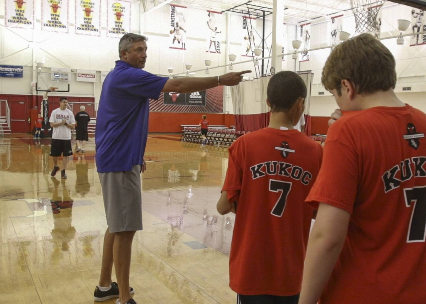 Kukoc talks fundamental basketball at Bulls/Sox Academy