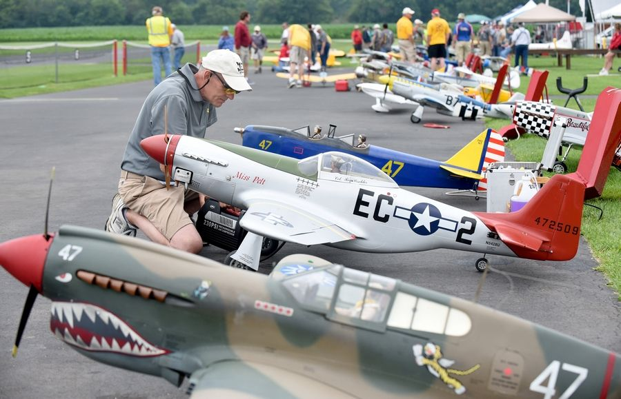 Big remote-controlled airplanes return to St  Charles