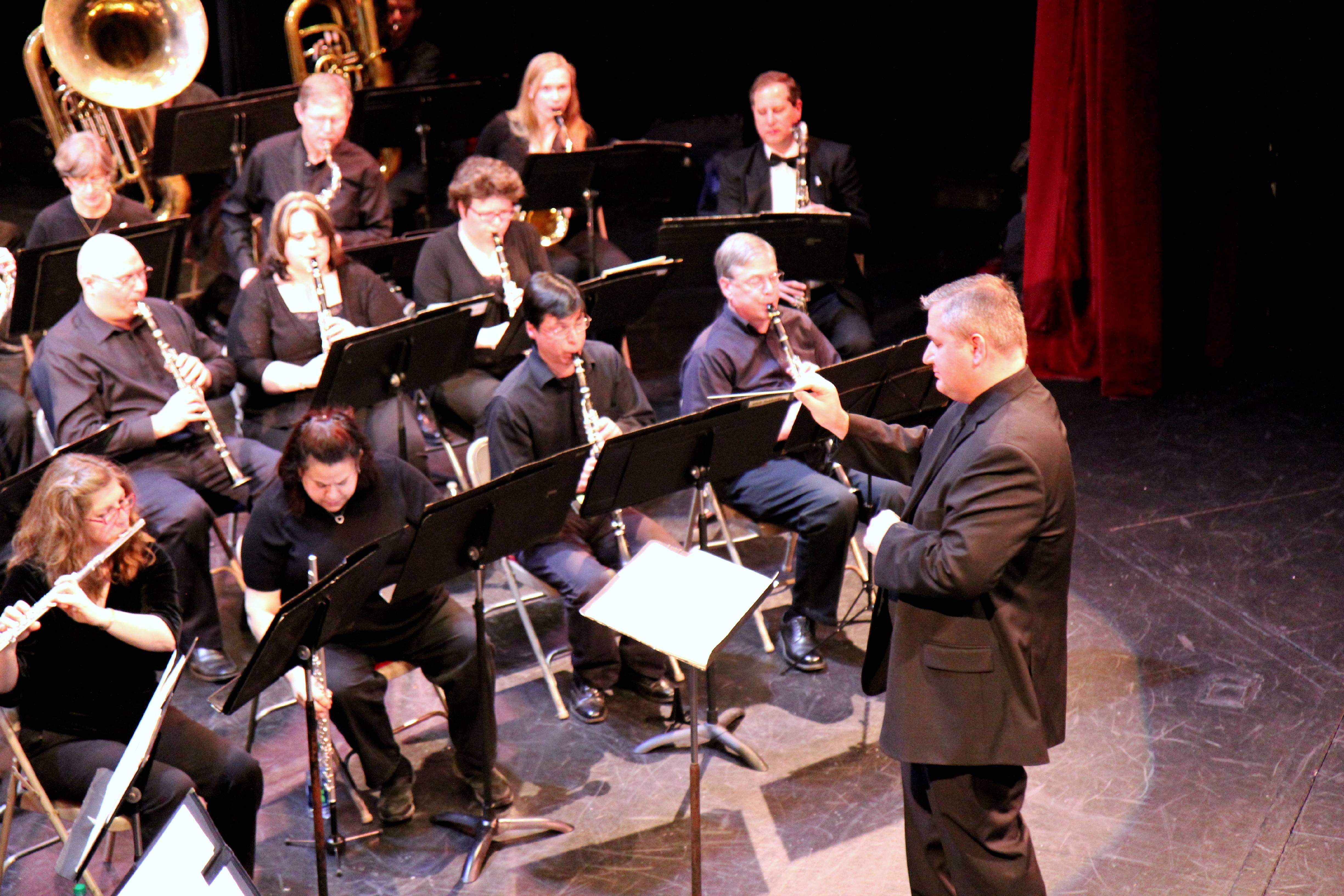 Des Plaines gets new band conductor -- second in as many years