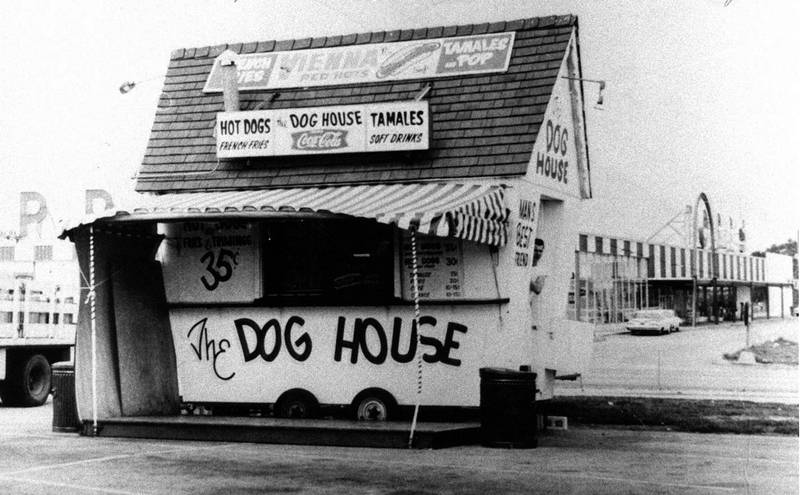Chicago S Dog House Chicago Il