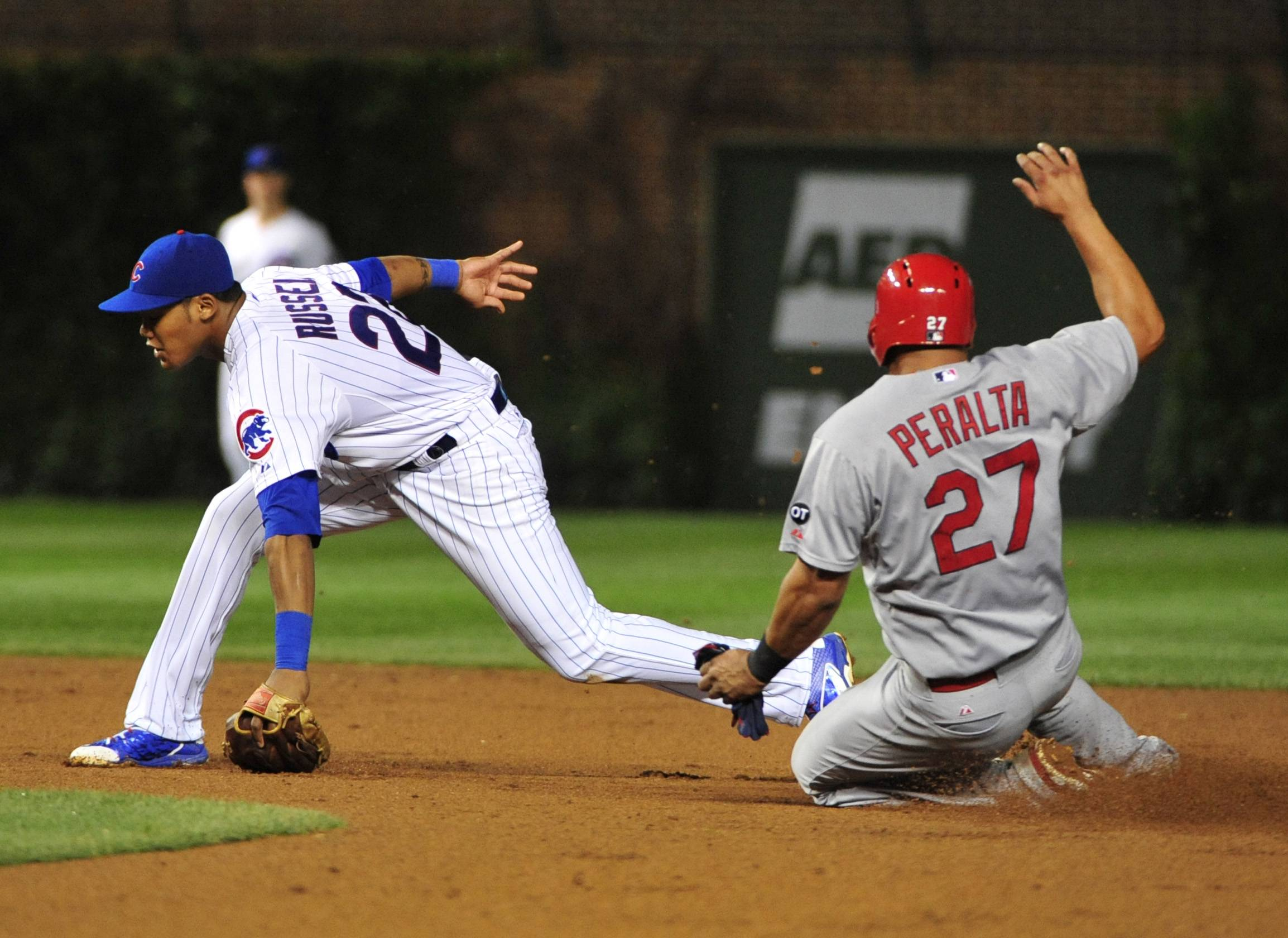 St. Louis Cardinals pounce on Chicago Cubs miscue