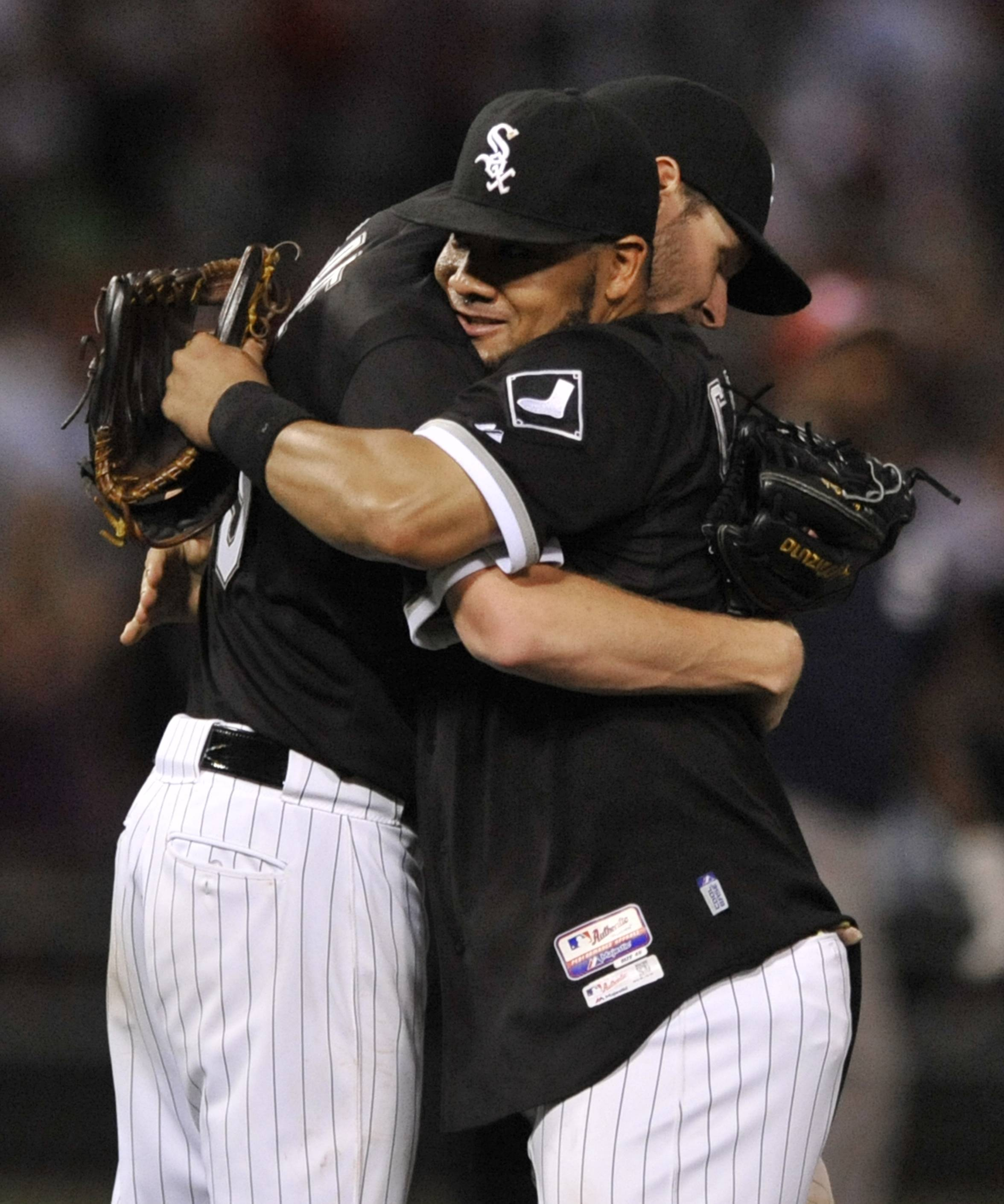 Sale fails to set record, but Chicago White Sox top Buehrle, Jays