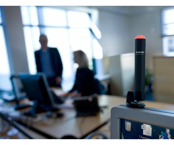 Busylight tells people to leave you alone in your cubicle