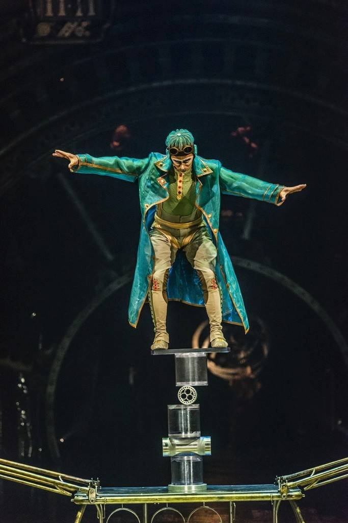 cirque du soleil cabinet of curiosities cirque s kurios succeeds with less spectacle more charm 13596