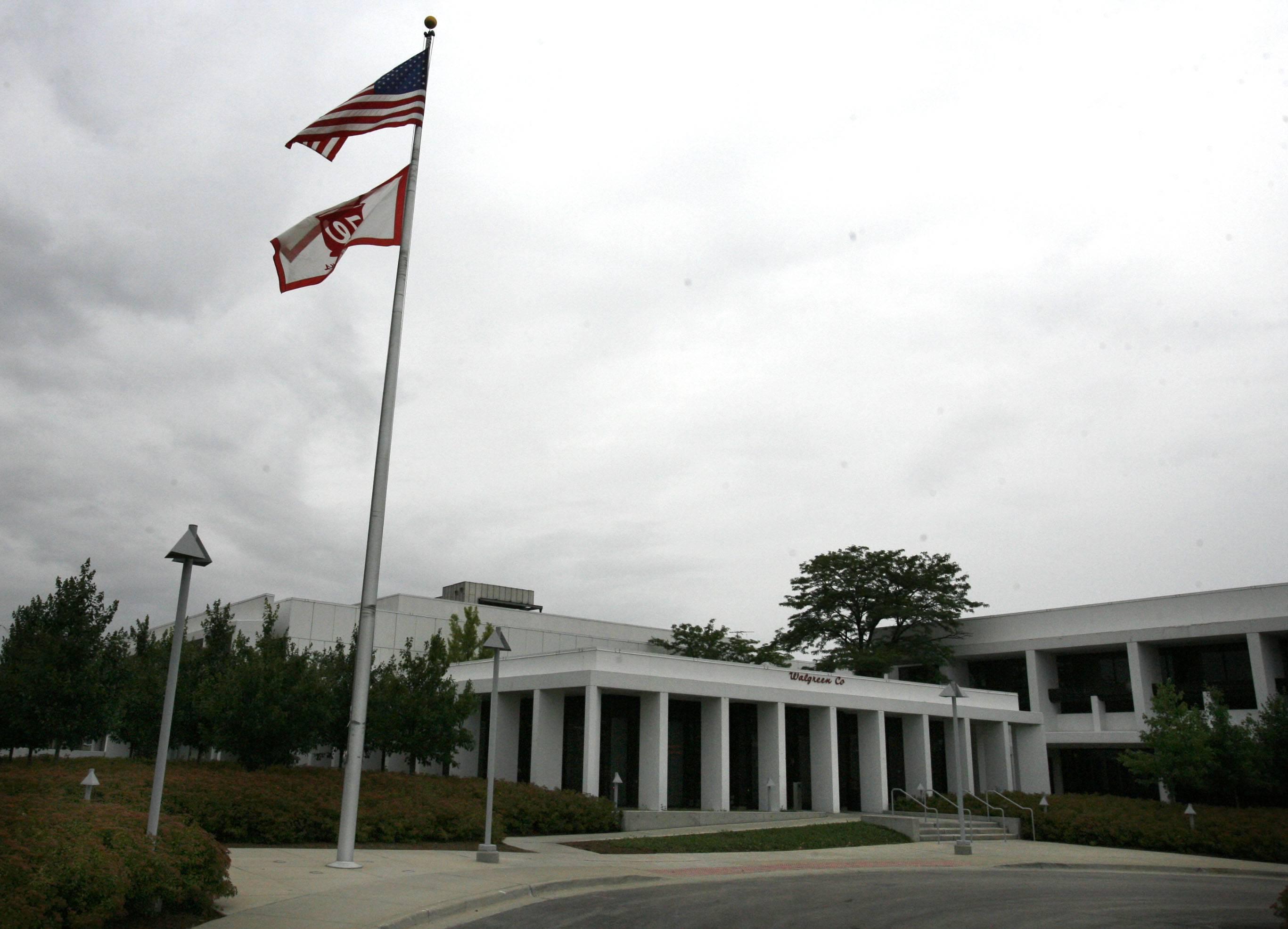 Walgreens cuts 370 jobs