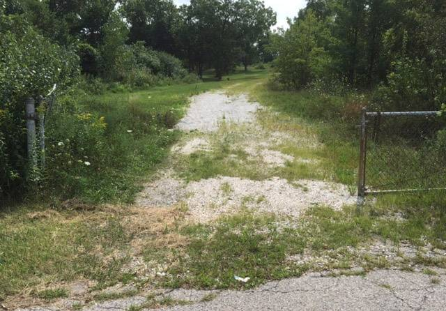 Kemper Lakes home plan draws criticism from a Hawthorn Woods neighbor