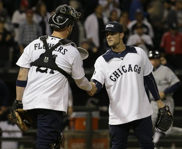 Chicago white sox uniforms show spirit of 1976 sox closer david robertson right celebrates with catcher tyler flowers after they defeated the mightylinksfo