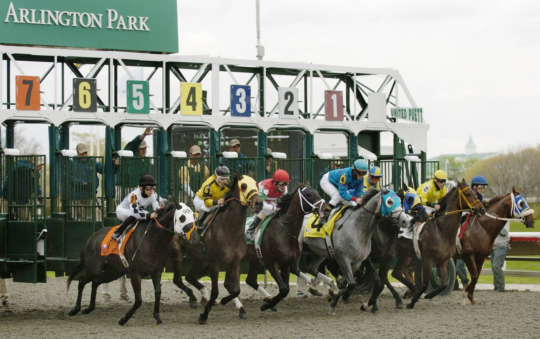 "Arlington Park is offering a free day at the races on Sunday for anyone who brings at least $8 of school supplies to be donated to needy children. It's the second year the track has hosted the event, called ""Arli Goes Back to School."""
