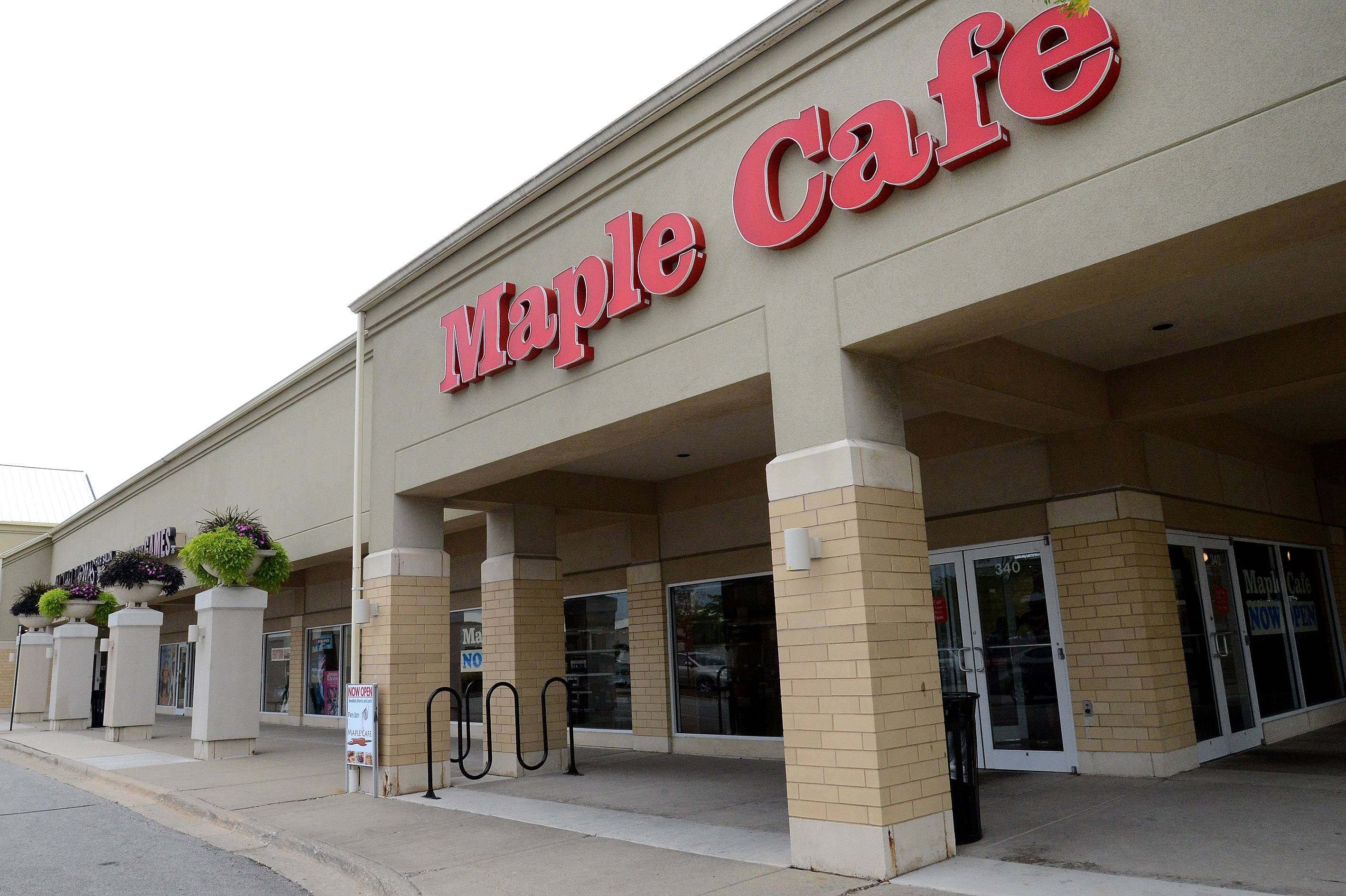 Maple Cafe took over the space that once housed Michael's Chicago Style Red Hots.