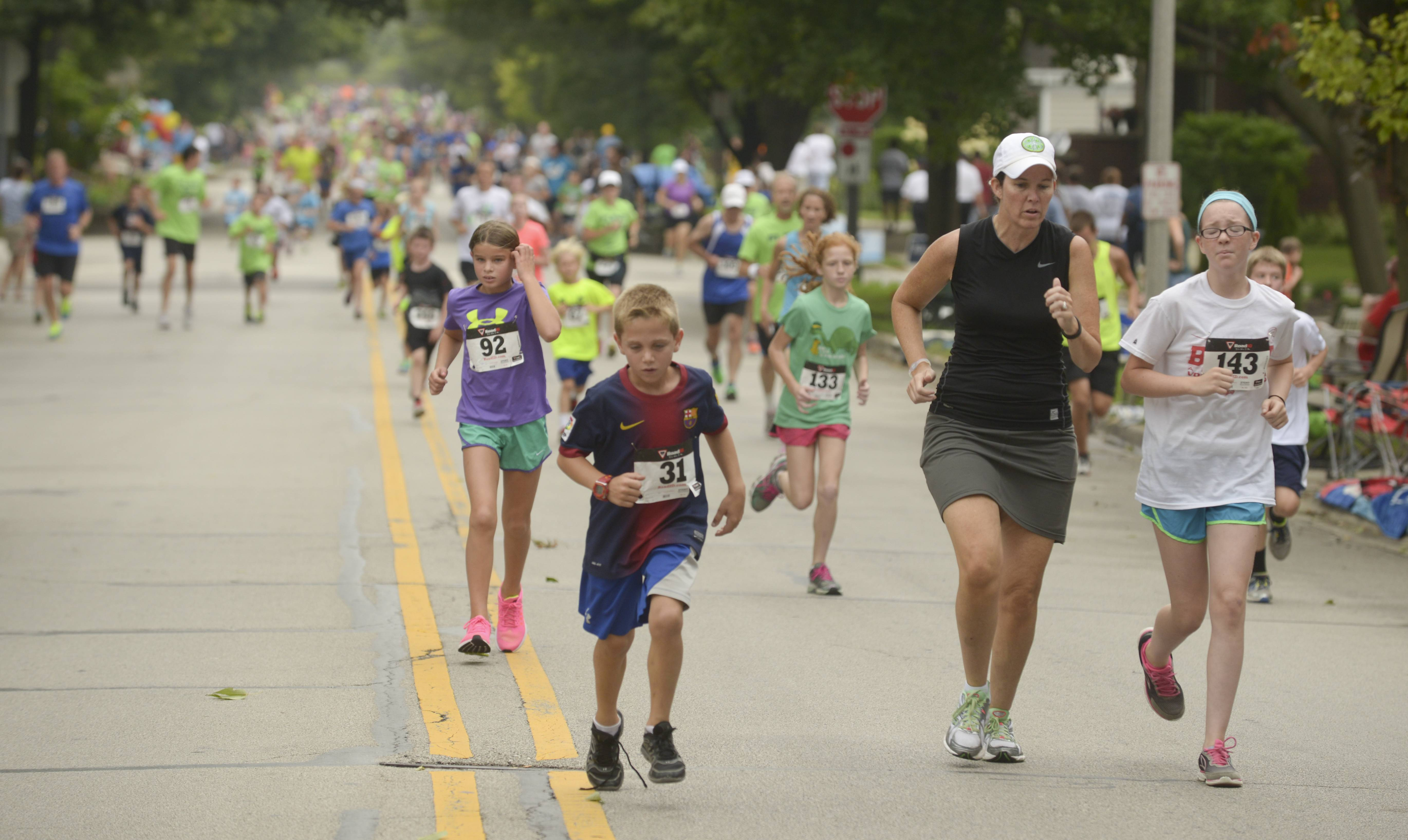 New 5K creates Fling Challenge at Naperville festival
