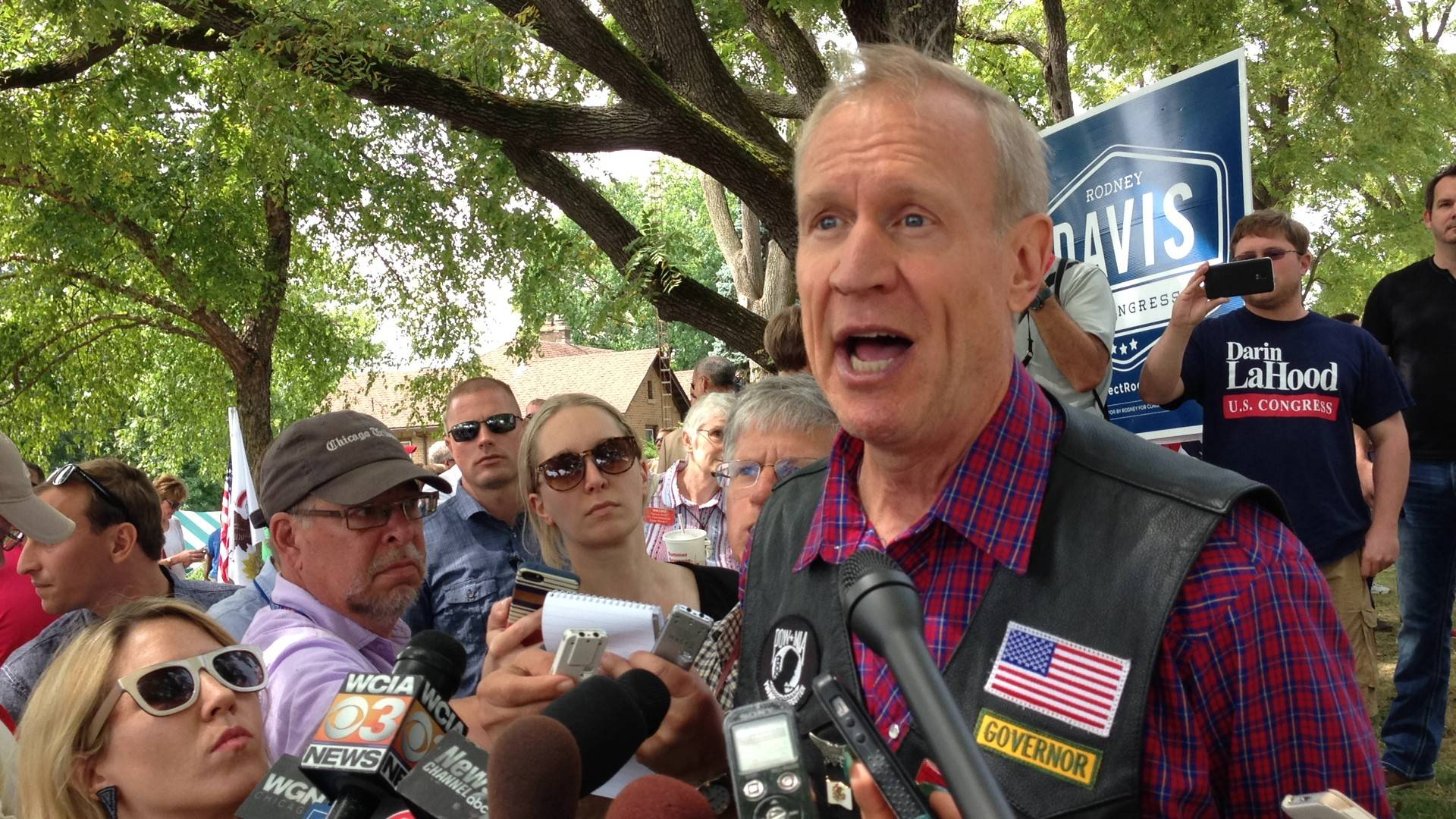 Gov. Bruce Rauner signed legislation today to cap community college administrators' severance packages.