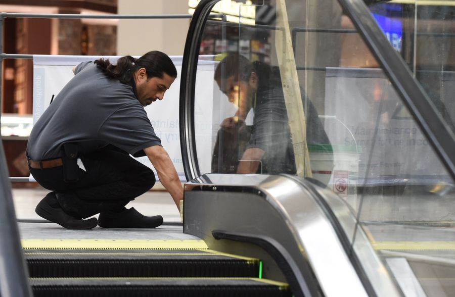 A second center-court elevator and new mini-escalators began operation at Woodfield Mall in Schaumburg Thursday.