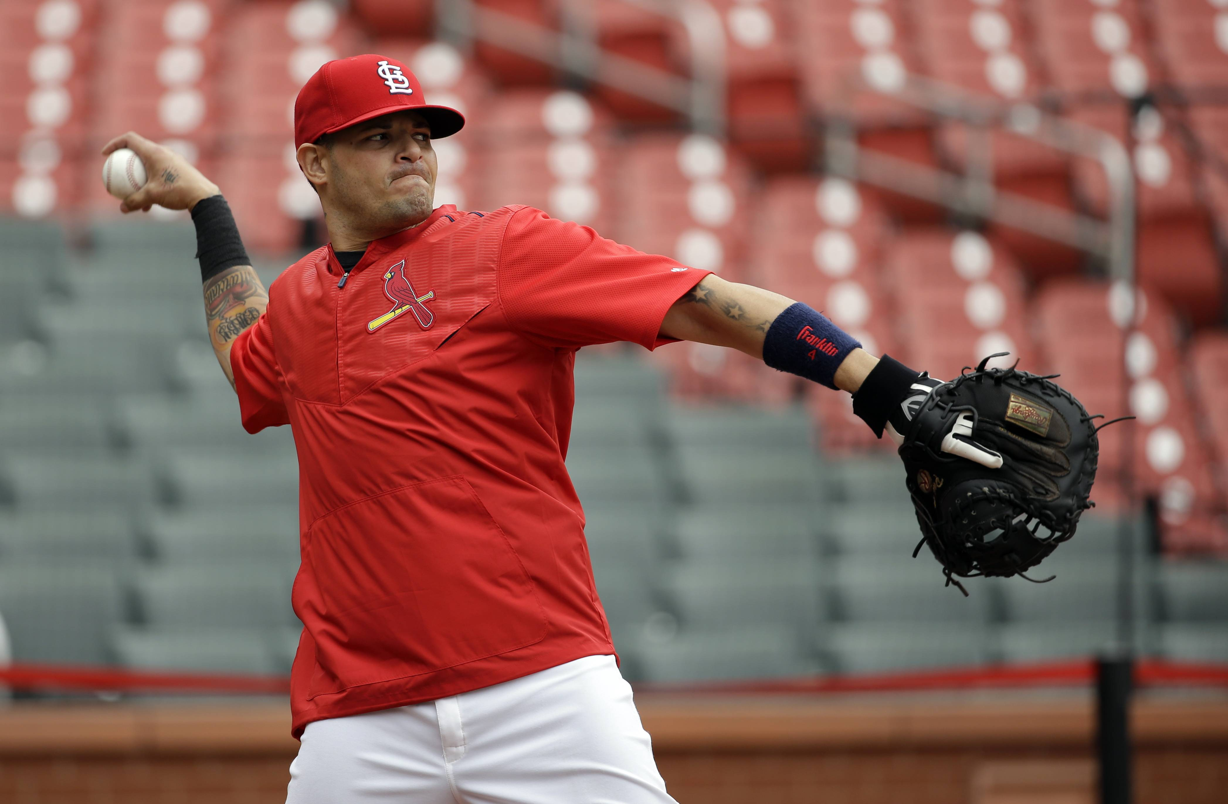 Cardinals hoping Molina is good to go vs. Cubs in NLDS