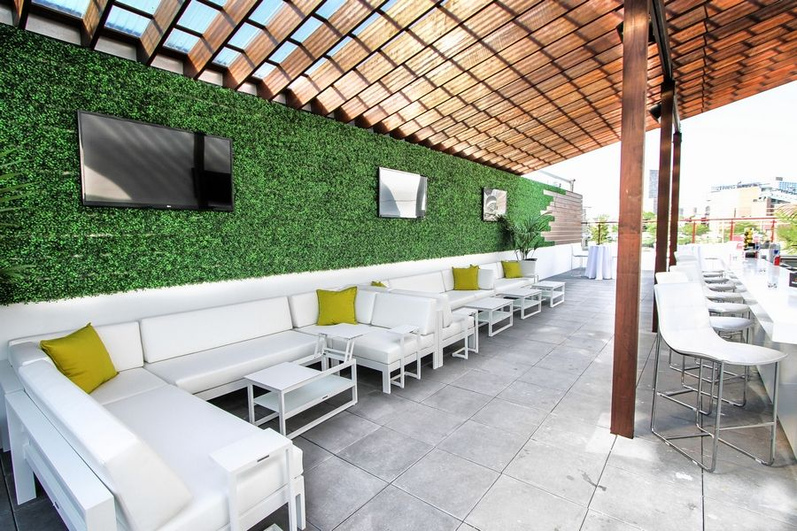 Casey Moran's Ivy Lounge is one of six bars within the Wrigleyville restaurant.