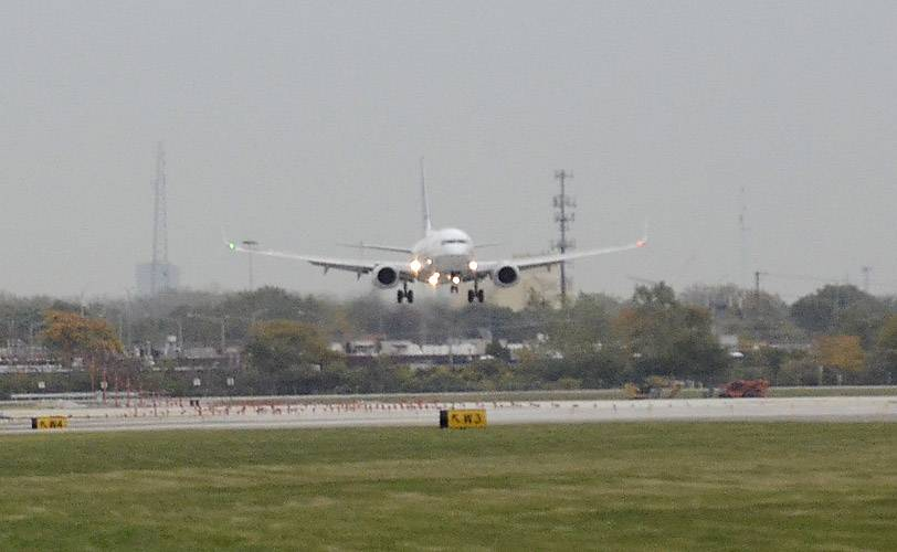 Some suburbanites say new O'Hare runway 'nothing to celebrate'