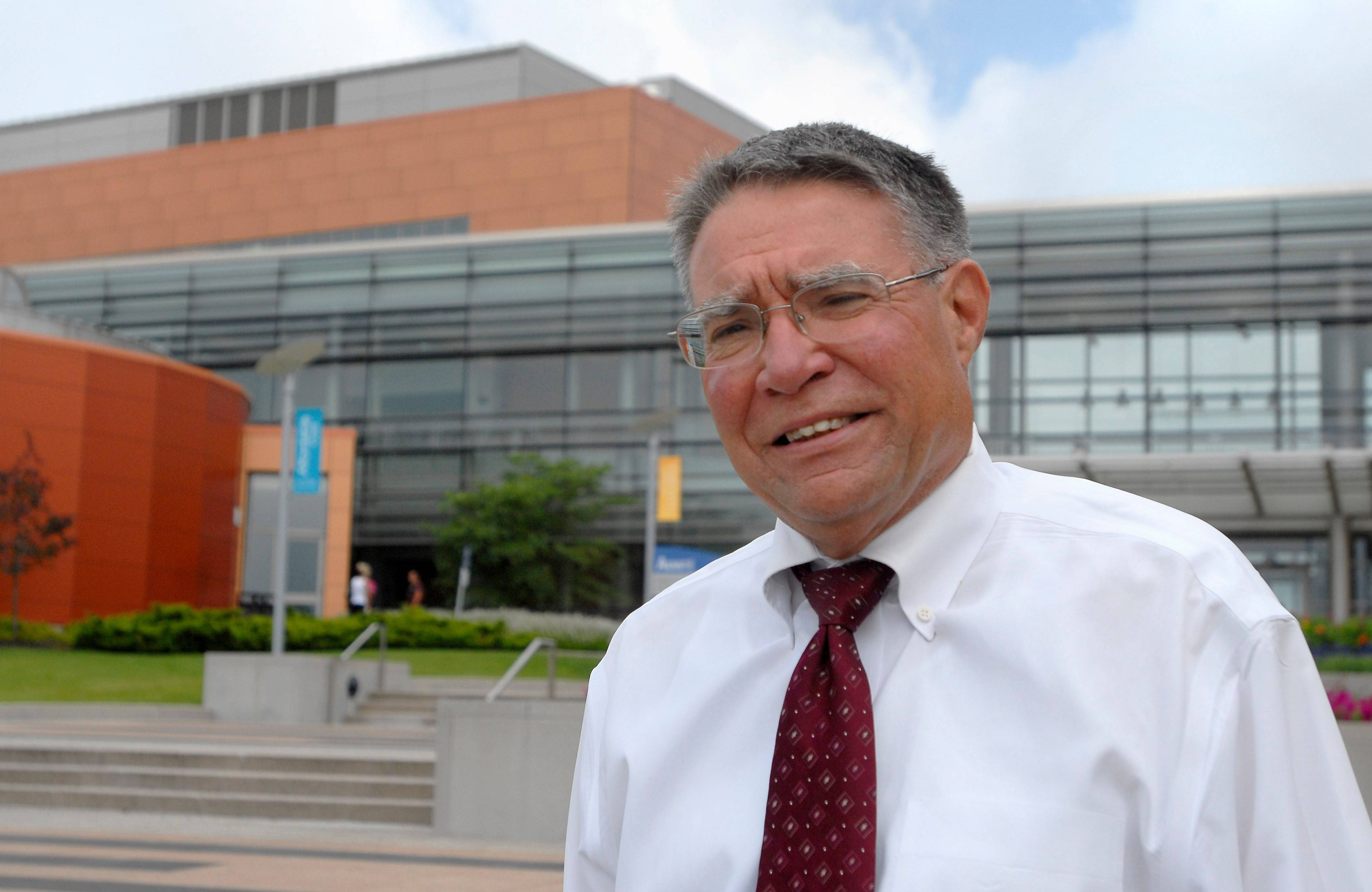 Harper College President Ken Ender has a five-year contract, common among suburban community college heads. But College of DuPage trustees last month voided President Robert Breuder's contract, saying it violated an 1892 law stating such pacts could not exceed two years.